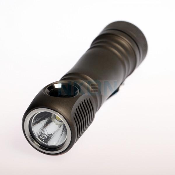 Zebralight SC64 18650 XHP35 Cool White Flashlight